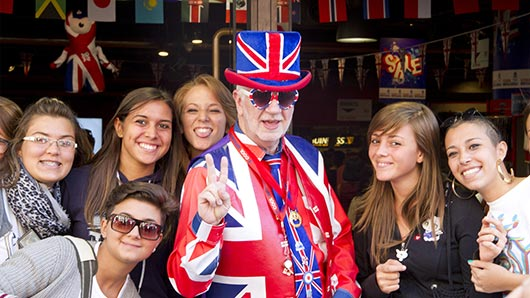 KKCL Junior English Courses in London - Trips & Activities